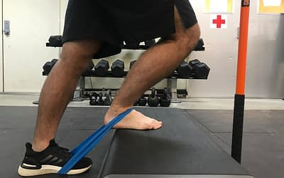 Banded Ankle Mobilization: Improve your ankle mobility